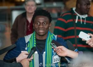 Obafemi Martins débarque à Seattle après un mois de négociation